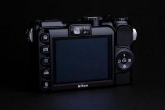 Nikon COOLPIX P5100 03