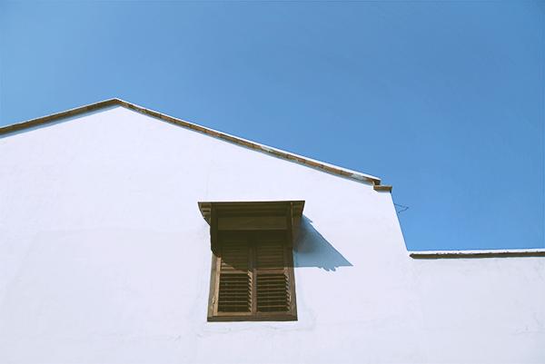 窗外有蓝天